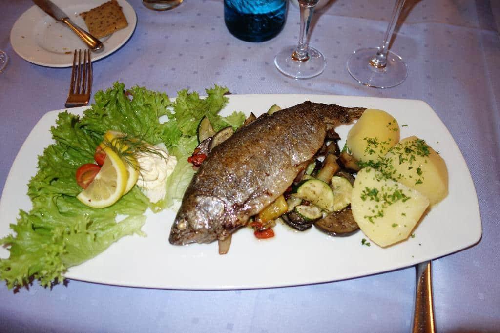 Fisch in der Schwangerschaft mit Vorsicht genießen
